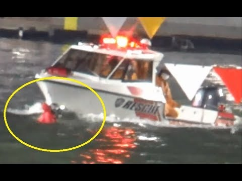 【G1住之江競艇現地】激しい落水後、救出されピットでふらつく③佐々木康幸