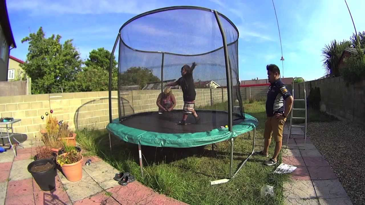 How to Build a 10-foot Trampoline - YouTube
