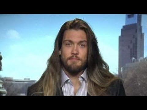 Eagles DE Bryan Braman's long hair getting in the way?