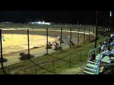 Rookie wreck 6/6/2015 Gator Motorplex