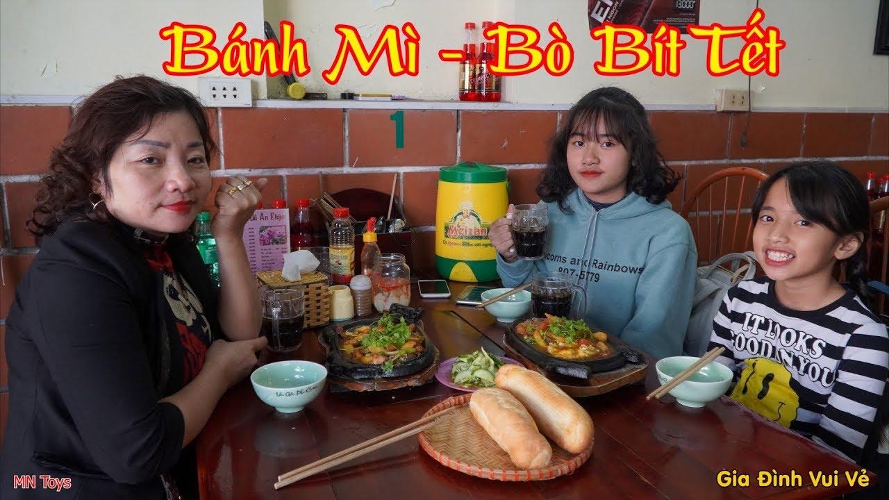 Hồng Anh và Thùy Giang Đi Ăn Trưa Cùng Mẹ Món Bánh Mì Bò Bít Tết Chảo Siêu Ngon - Gia Đình Vui Vẻ