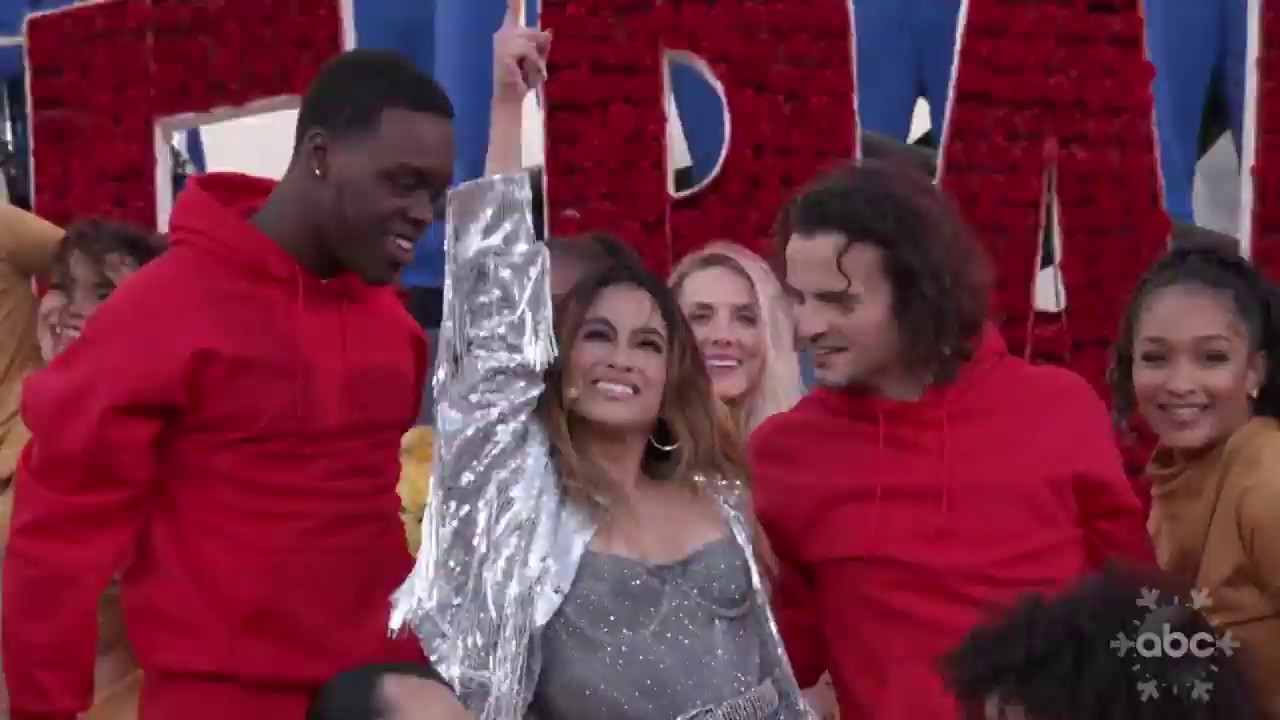 Ally Brooke ft. Farruko - Reach For The Stars - Live from Rose Parade