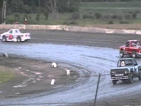 I88 Speedway EST Feature 5/25/12.  First 7 laps.