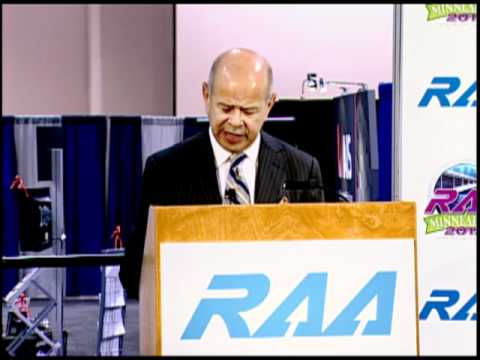 Acting FAA Administrator Michael Huerta addresses the RAA 37th Annual Convention