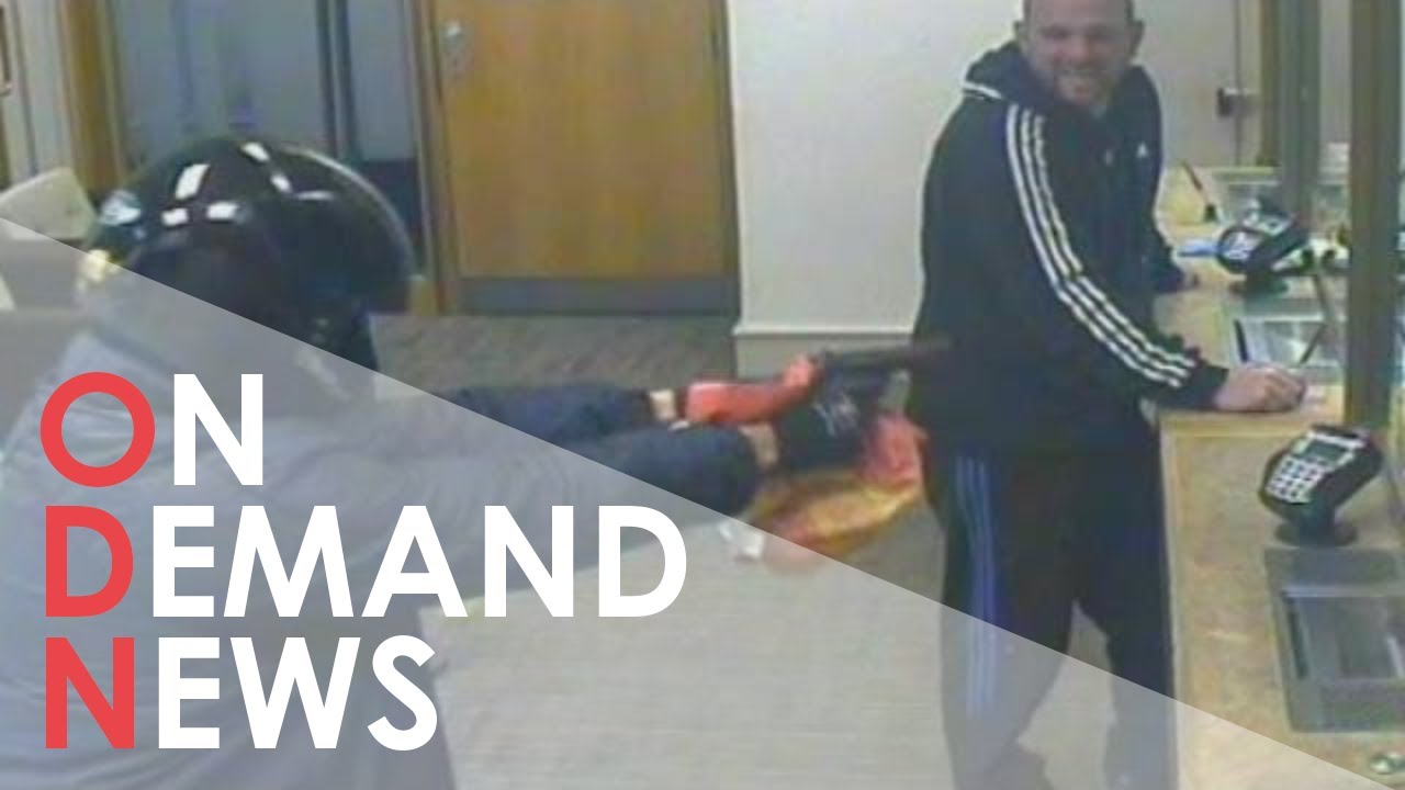 Bank robbery fail: Man catches bank robber after spotting fake gun