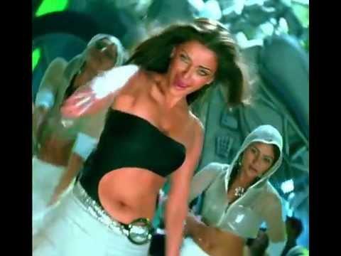 Aishwarya Rai closeup in Crazy Kiya Re. Hot
