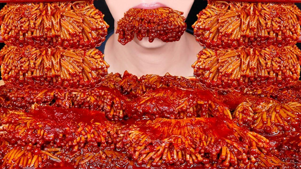 ASMR SPICY GOLDEN ENOKI MUSHROOMS COOKING MUKBANG WITH MARA FIRE SAUCE 마라 팽이버섯 먹방 咀嚼音 EATING SOUNDS