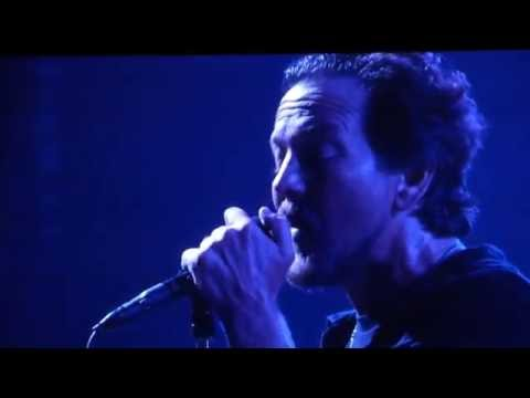 Pearl Jam - Comfortably Numb - Fenway Park (August 5, 2016)
