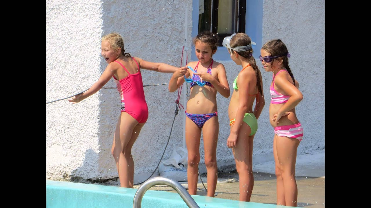 Volleyball girls fart