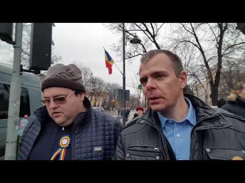 Realitatea paralelă a susținătorilor lui Dragnea. Ziua Națională printre alegătorii PSD | #REZIST