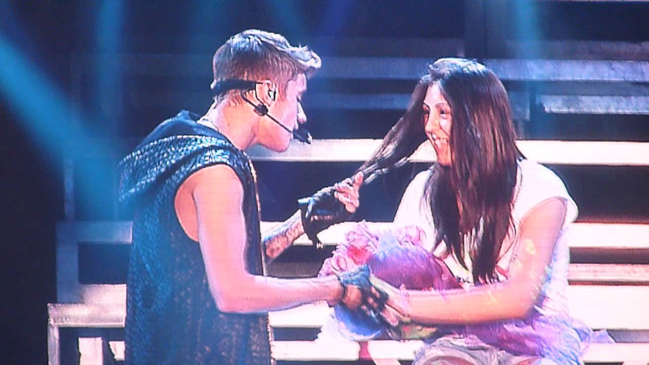 One Less Lonely Girl - Justin Bieber, Chile [Believe tour ...  One Less Lonely...