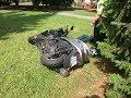 Ujíždějící motorkář