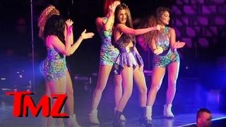 Selena Gomez Dances to Rihanna