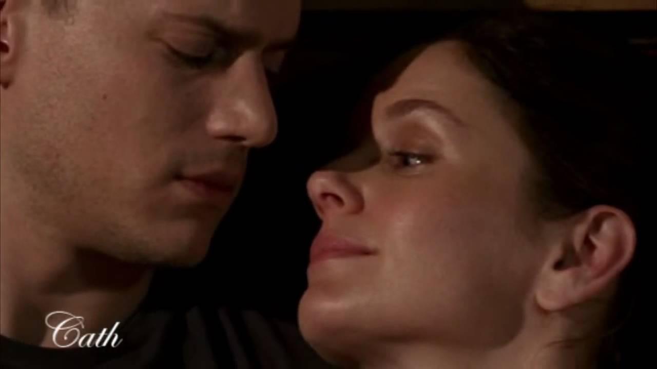 Prison Break : Michael & Sara - Whispers in the Dark - YouTube