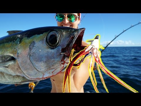 STRANGE Bird Feather LURE Is a Fish Magnet! (Offshore Tuna Fishing)