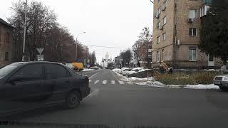 Разьезд на тесной улице где припаркованно много машин(, 2018-12-07T11:36:56.000Z)