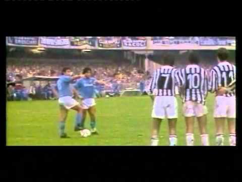 94f88e1d73fbc PUNIZIONE DI MARADONA DENTRO L AREA DI RIGORE... - YouTube