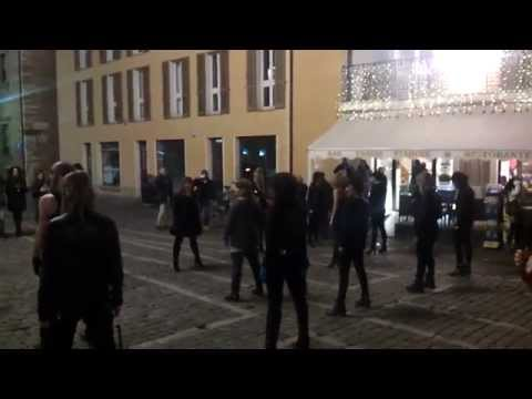 B-day - Infernal, Redefinition of disco - flash mob in piazza