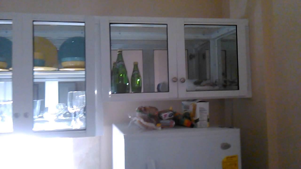 Gabinete de cocina en aluminio youtube for Cristales para puertas de cocina