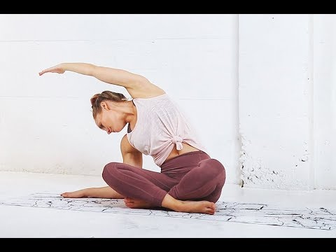 Full Body STRETCH // Great for TIGHT HIPS!