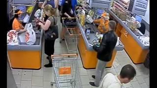 В Туле действует банда мошенников, обманывающая кассиров и продавцов(В социальных сетях появилось сообщение о том, что в Туле действует группа мошенников, вводящих в заблуждени..., 2016-06-27T06:18:47.000Z)