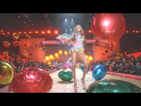 Katy Perry Hot N Cold Best Performance Victorias Secret Fashion Show 2010 HD