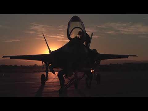 Calendario Aeronautica Militare 2020.Calendario 2019 Tra Tecnologia E Innovazione Dodici Mesi