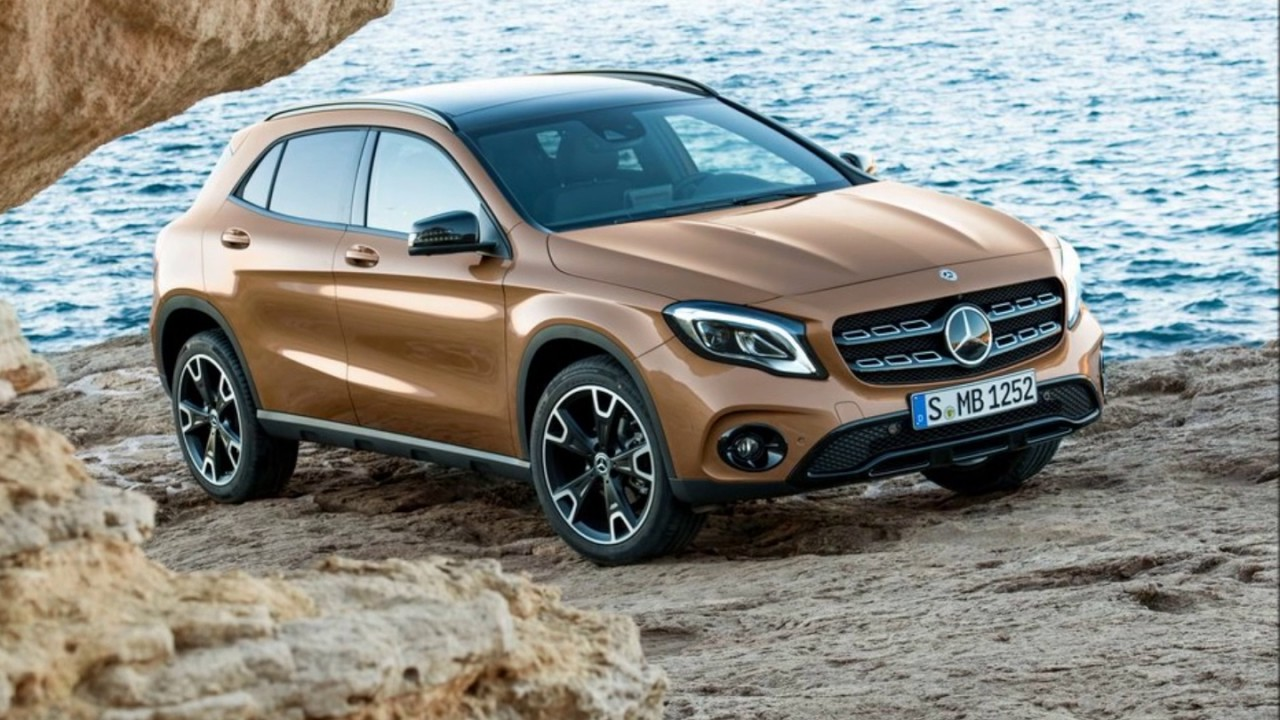 mercedes benz 2018 gla 250 youtube. Black Bedroom Furniture Sets. Home Design Ideas