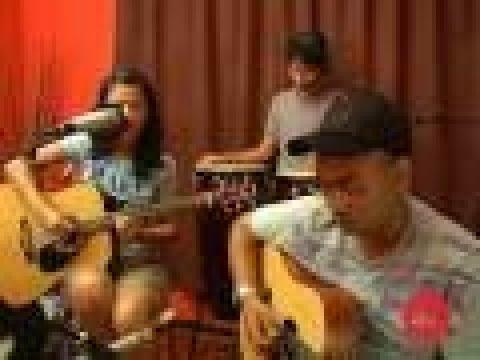 Estrella - Take It Slow  (Live on The Wknd Sessions, #3)