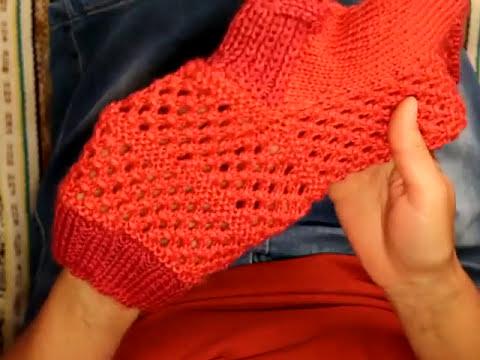Вязание носков с узором спицами видео