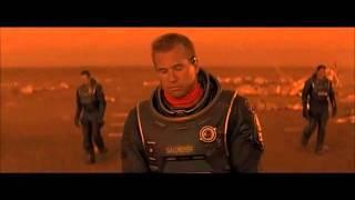 """Orinando en Marte. (Escena de """"Planeta Rojo"""")"""