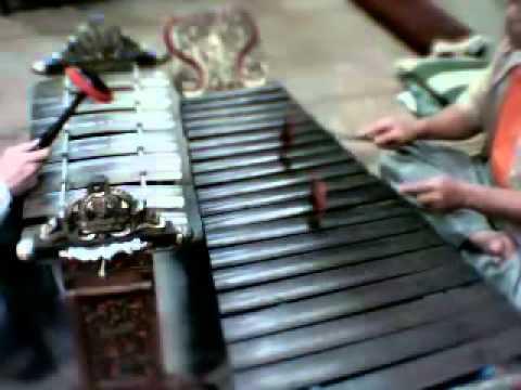 Ld Pangkur Slendro Manyura Irama I, II, III (Gambang and Slenthem).mov