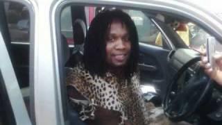 Umgqumeni feat. Amagcokama - SMS/Wathula Nje