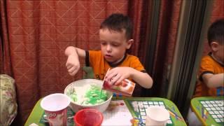 Как сделать пластилин своими руками?  Расскажет 4-х летний малыш!