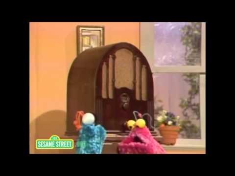 "How to say ""Nope, Nope""  Sesame Street Yip Yip martians"