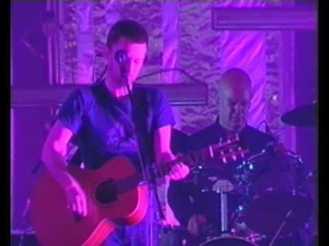 Radiohead - No Surprises live Pinkpop 2001 (high quality)