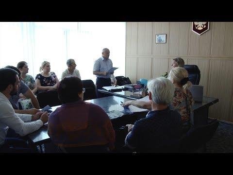 Как реализуется «Человеческий Капитал» в Каспийске, обсудили на рабочем совещании в администрации