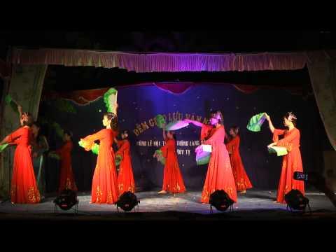 Múa quạt - Hội phụ nữ