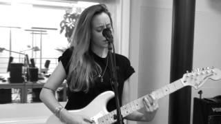 Anna Känzig «Suburban Sky» - SRF 3 Live-Session