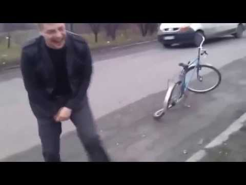 Девушка прокатилась на велосипеде » Видео приколы на ютубе
