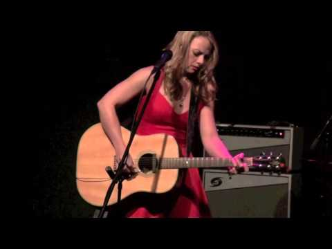''DEAD FLOWERS'' - SAMANTHA FISH on acoustic guitar, Jan 31, 2014