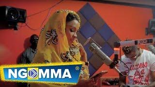 Lulu Diva na utamu wake  ndani ya Times FM