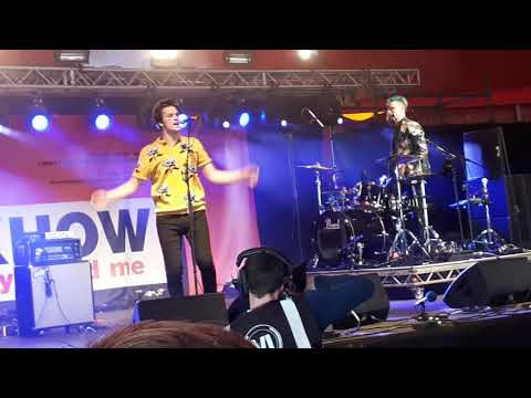 Nobody Likes The Opening Band/Choke - idkhow live at Reading Festival 2018