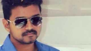 Vijay appreciates Oru Kanniyum Moonu Kalavanigalum!