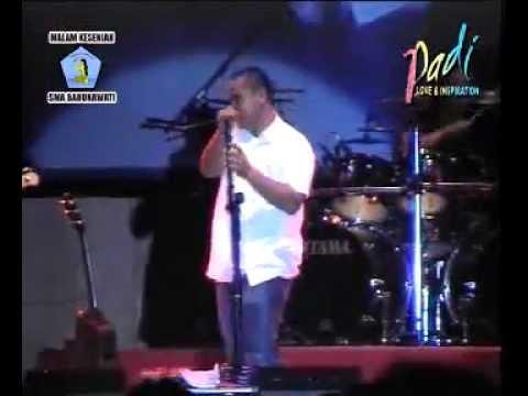 Padi - PROLOG ( Live Pensi SMA BARUNAWATI SBY @ TP Convention Hall 2006 )
