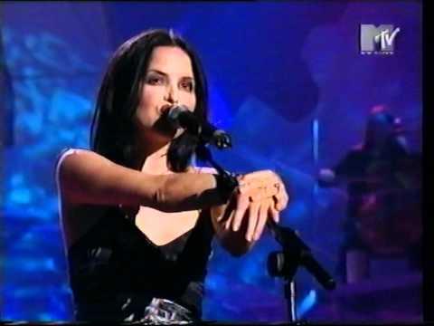 The Corrs - Radio (Live MTV Europe Music Awards 1999 Ireland)