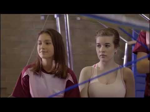 Raising The Bar - Subir el Nivel (Jess Vs Kelly) streaming vf