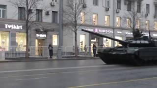 Резервная колонна бронетехники Парада Победы 2017 на Тверской улице в Москве!