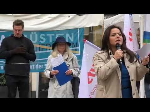 #Aufstehen Köln - für #WürdeStattWaffen! ☮️ mit Sevim Dagdelen