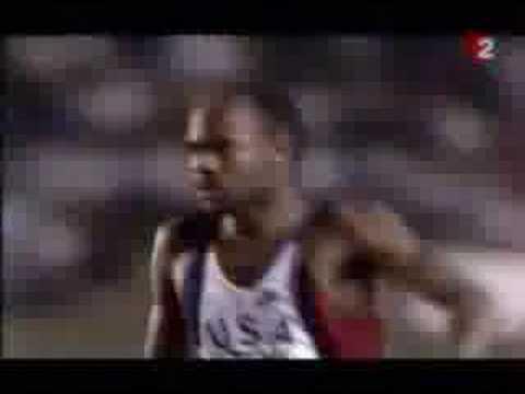 Duelo entre Carl Lewis y Mike Powell en la final del salto d